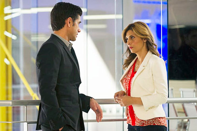 """Necessary Roughness - Seaosn 3 - """"Swimming With Sharks"""" - John Stamos and Callie Thorne"""