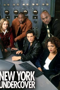 New York Undercover as Carl