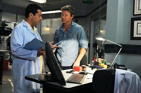 The Glades - Season 3 - Carlos Gomez and Matt Passmore