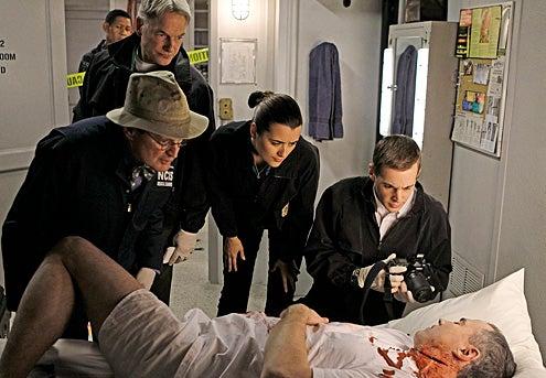 """NCIS - Season 8 - """"A Man Walks Into A Bar..."""" - David McCallum, Mark Harmon, Cote de Pablo and Sean Murray"""