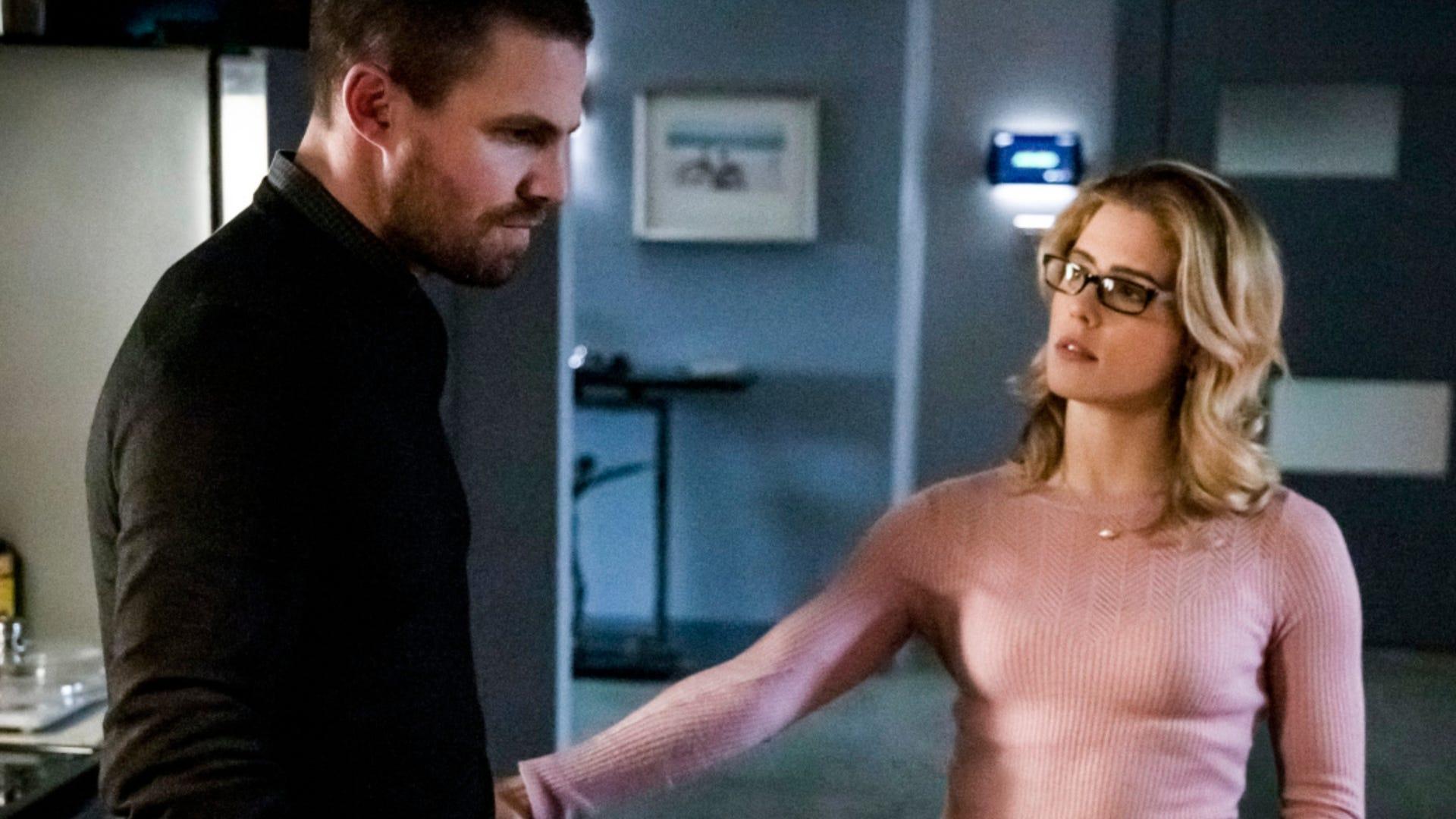 Stephen Amell and Emily Bett Rickards on Arrow