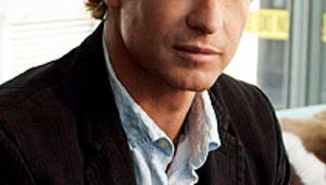 The Mentalist's Simon Baker Goes Behind the Camera