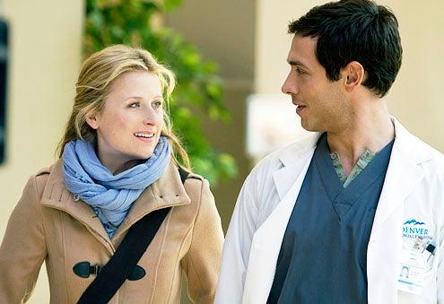 "Emily Owens, M.D. - Season 1 - ""Pilot"" - Mamie Gummer and Michael Rady"