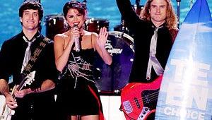 Selena Gomez, Taylor Swift and Justin Bieber Win Big at Teen Choice Awards