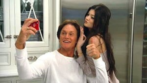 Keeping Up With the Kardashians, Season 7 Episode 5 image