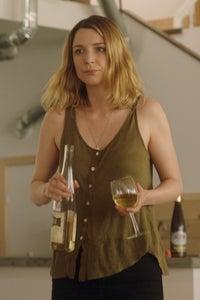 Tania Nolan as Dennee