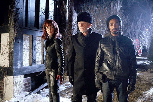 Home Alone: The Holiday Heist - Debi Mazar, Malcolm McDowell, and Eddie Steeples