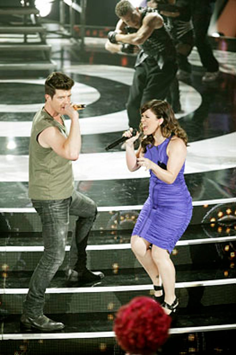 """Duets - Season 1 - """"Classic Duets"""" - Robin Thicke and Kelly Clarkson"""