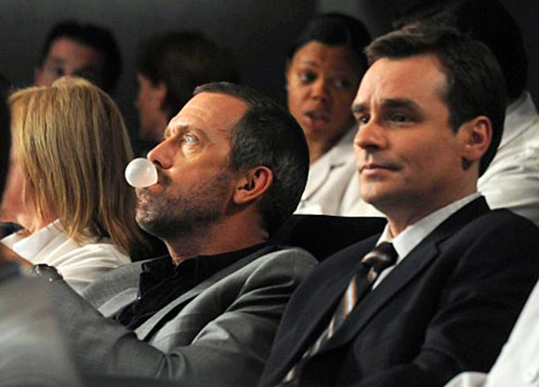 "House - Season 6 - ""5 to 9"" - Hugh Laurie, Robert Sean Leonard"