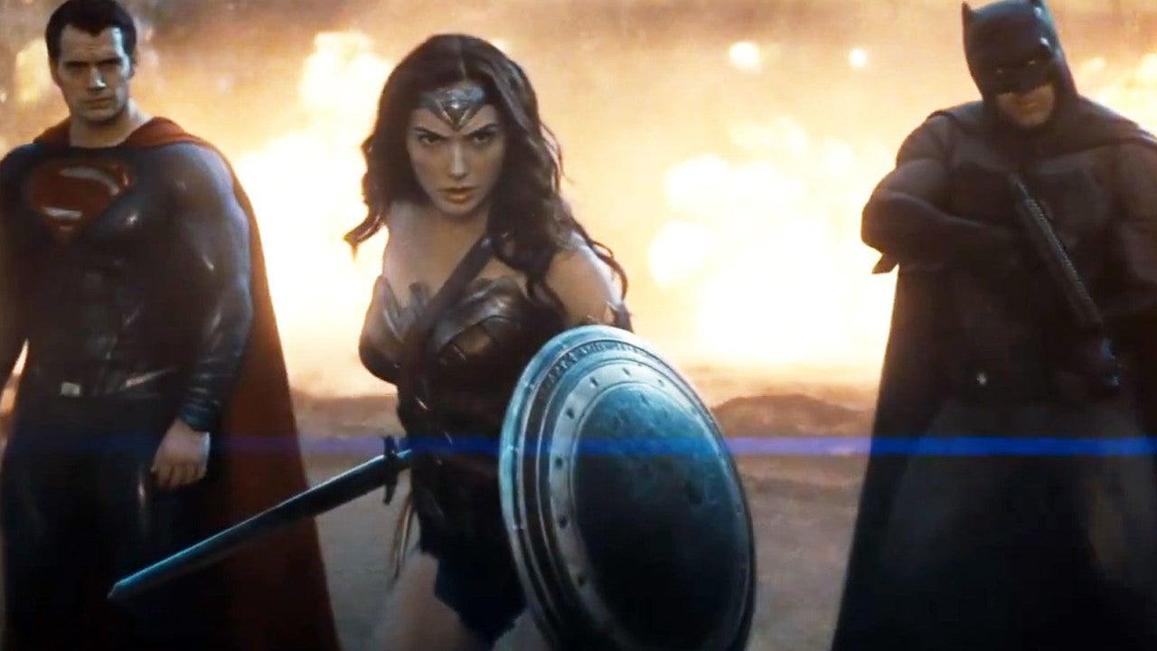 batman-v-superman-wonder-woman.jpg