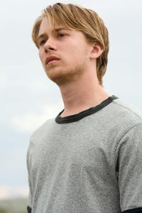 Lou Taylor Pucci as Joey Frost
