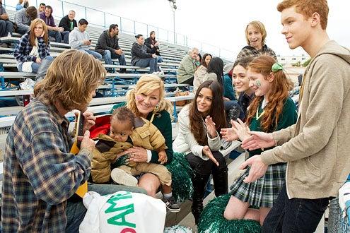 "Shameless - Season 2 - ""Hurricane Monica"" - William H. Macy, Blake/Brennan Johnson, Chloe Webb, Stephanie Fantauzzi, Emmy Rossum, Nicky Korba, Emma Kenney and Cameron Monaghan"