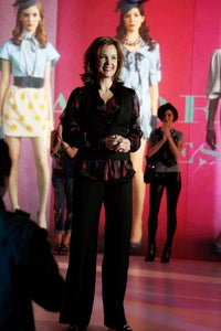 Margaret Colin as Lucy Everett