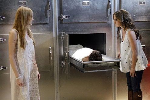 "Ghost Whisperer - Season 5 - ""Birthday Presence"" - Zoe Boyle, Jennifer Love Hewitt"