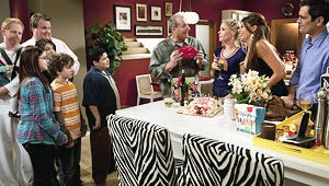 Exclusive: It's Christmas Time on Modern Family!