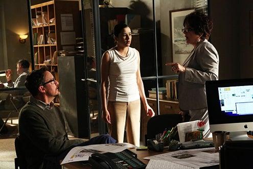"The Bridge - Season 1 - ""Calaca"" - Matthew Lillard as Daniel Frye, Emily Rios as Adriana Mendez, Lee Garlington as Sherry Spellman"