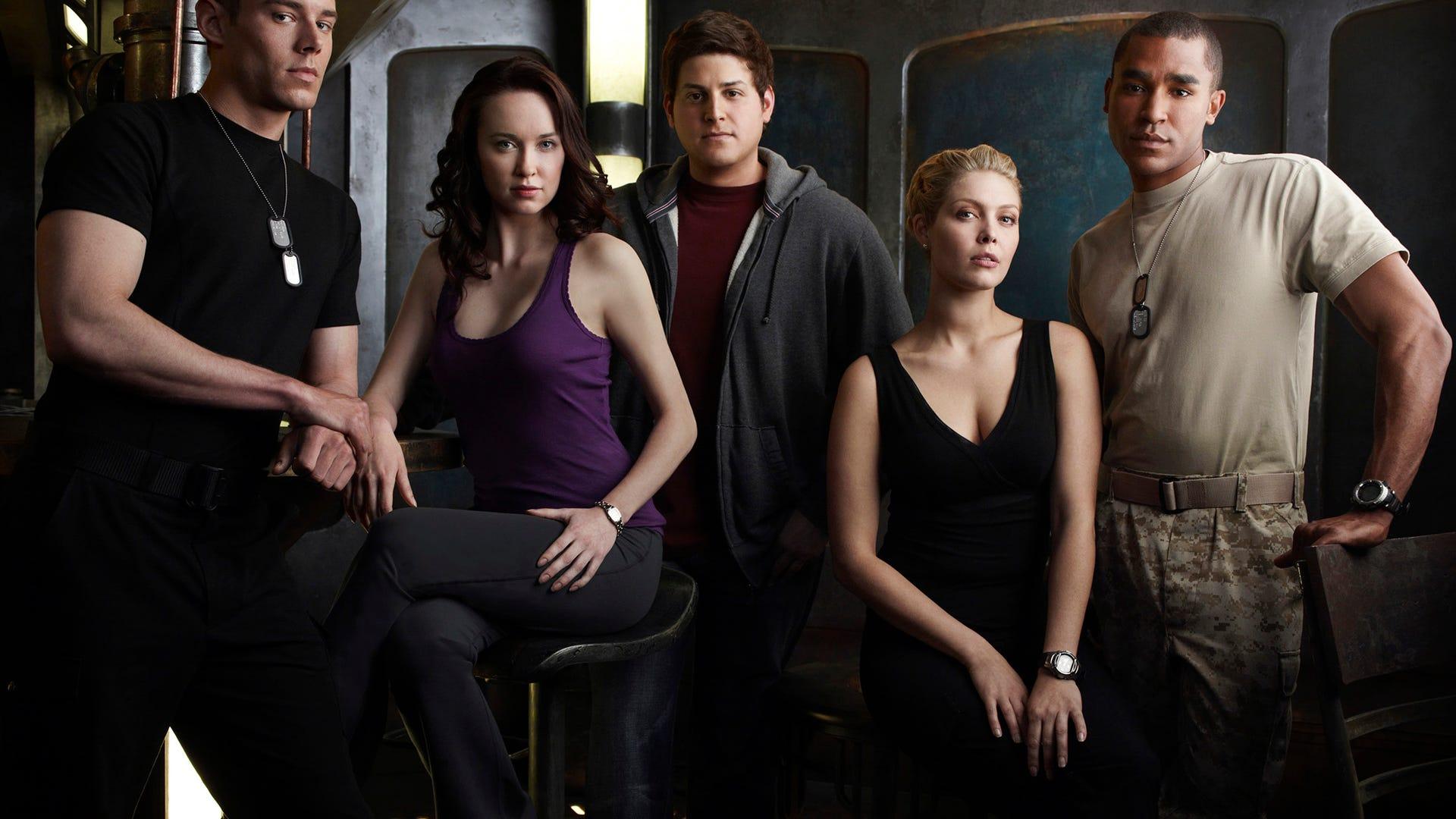 Brian J Smith, Elyse Levesque, David Blue, Alaina Huffman and Jamil Walker Smith, Stargate Universe
