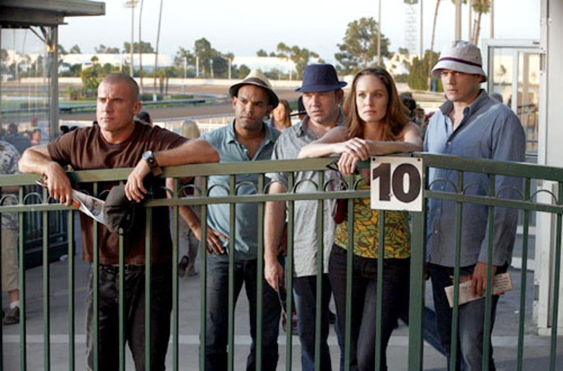"""Prison Break - Season 4, """"Blow Out"""" - Dominic Purcell as Lincoln, Amaury Nolasco as Sucre, Wade Williams as Bellick, Sarah Wayne Callies as Sara, Wentworth Miller as Michael"""