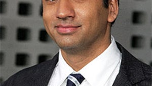 Kal Penn Ditching the White House for How I Met Your Mother Romance