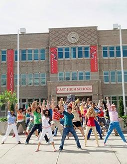 High School Musical 2 -  Monique Coleman, Corbin Bleu, Vanessa Hudgens , Zac Efron, ASHLEY TISDALE, LUCAS GRABEEL