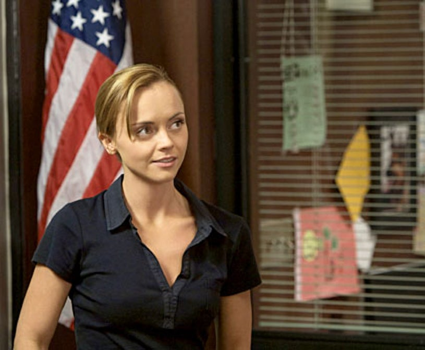"Saving Grace - Season 2, ""Do You Believe in Second Chances?"" - Christina Ricci as Abby"