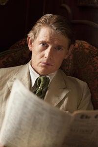 Julian Rhind-Tutt as Dr Arthur Calgary