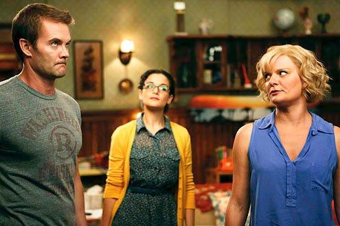 "Raising Hope - Season 3 - ""Throw Maw Maw from the House"" - Garrett Dillahunt, Jenny Slade and Martha Plimpton"