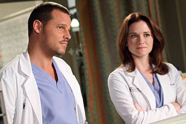 "Grey's Anatomy - Season 7 - ""Something's Gotta Give"" - Justin Chambers, Sarah Drew"