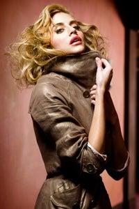 Brittany Murphy as Reba Simpson