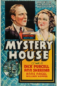 Mystery House as Lance O'Leary