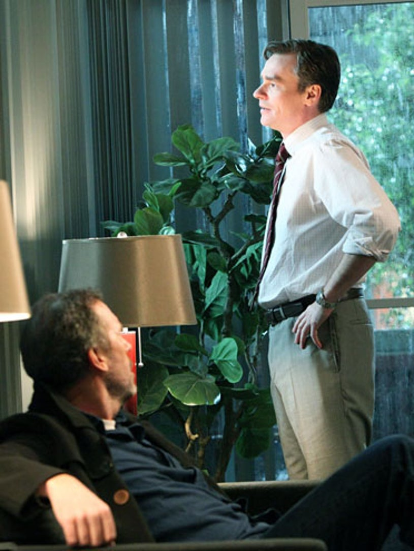 "House - Season 8 - ""Body and Soul"" - Hugh Laurie and Robert Sean Leonard"