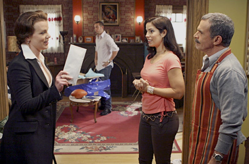 "Ugly Betty ""Four Thanksgivings and a Funeral""-Debi Mazar, Kevin Alejandro, Ana Ortiz, Tony Plana"