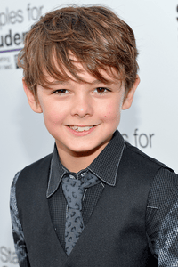 Max Charles as Oliver