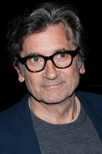 Griffin Dunne as Griffin Dunne