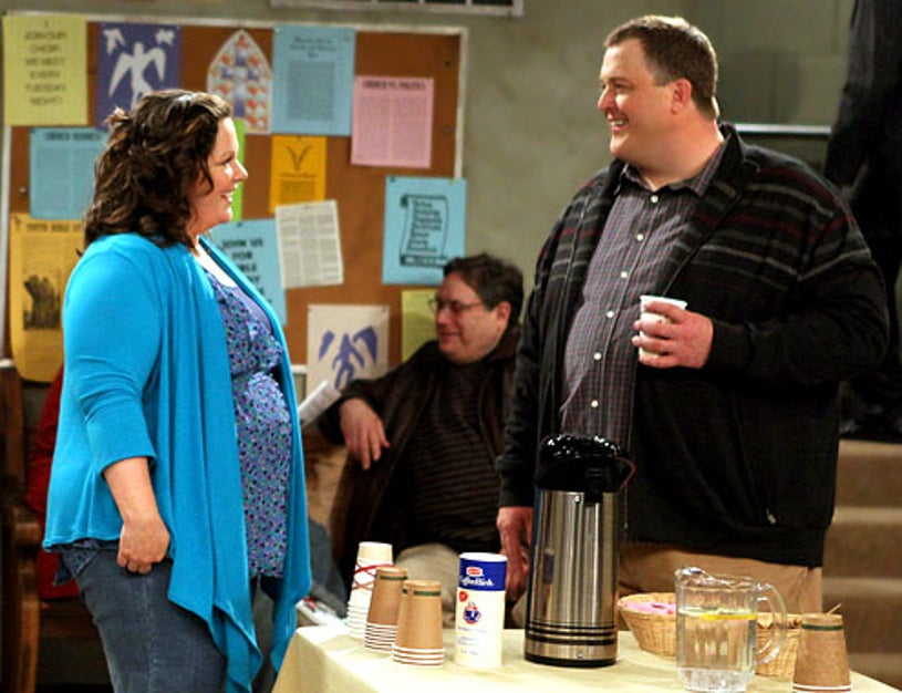 """Mike & Molly - Season 1 - """"Pilot"""" - Billy Gardell as Mike Biggs and Melissa McCarthy as Molly Flynn"""