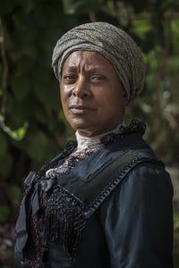Doña Croll as Eleanor Beaumont