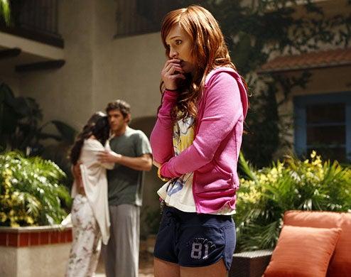 Melrose Place - Season 1 - pilot - Jessica Lucas as Riley, Michael Rady as Jonah and Ashlee Simpson as Violet