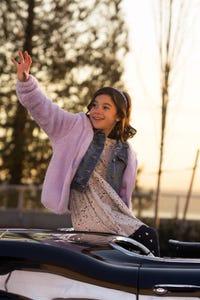 Scarlett Estevez as Trixie