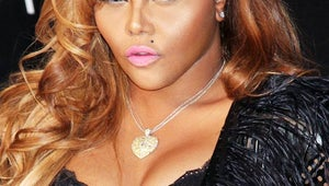 Rapper Lil' Kim Gives Birth to Baby Girl With Regal Name