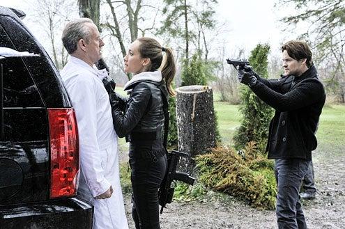 "Nikita - Season 2 - ""Clean Sweep"" - Xander Berkeley as Percy, Maggie Q as Nikita and Shane West as Michael"