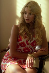 Sabina Gadecki as Peggy