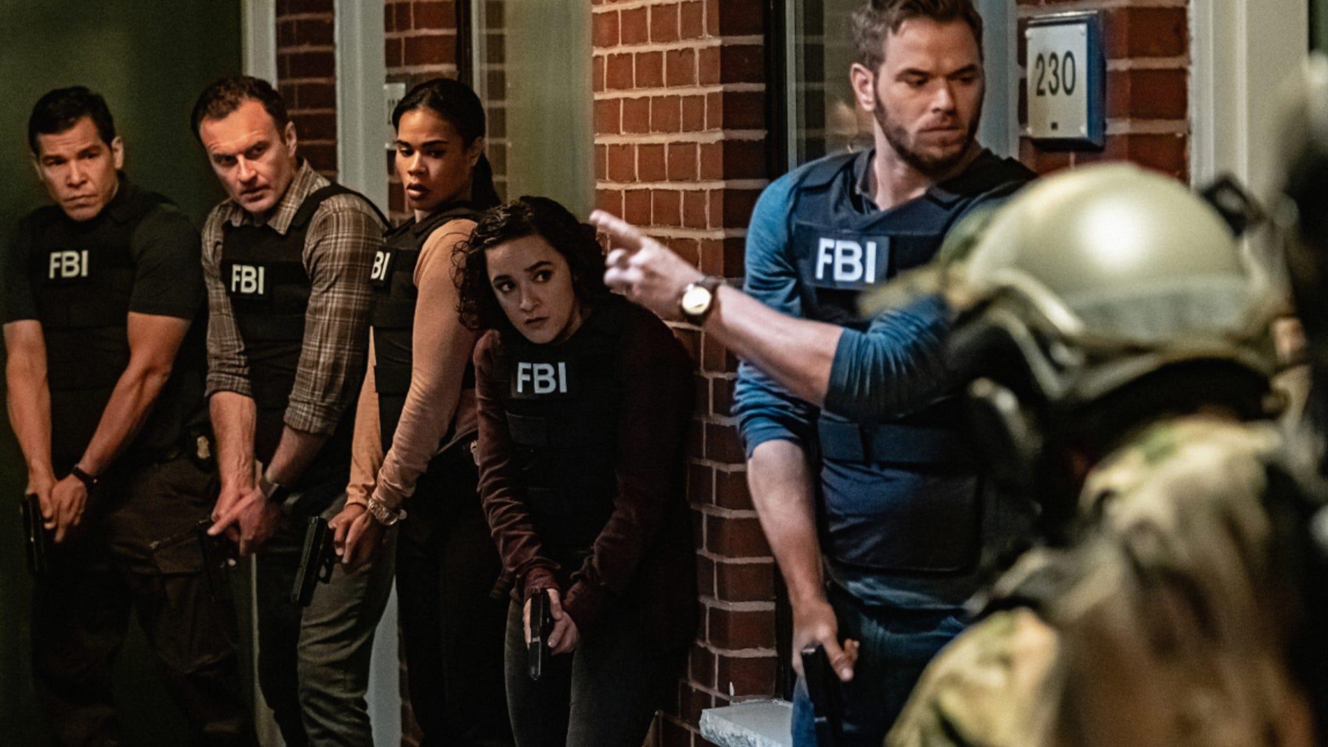Nathaniel Arcand, Julian McMahon, Roxy Sternberg, Keisha Castle-Hughes and Kellan Lutz, FBI: Most Wanted