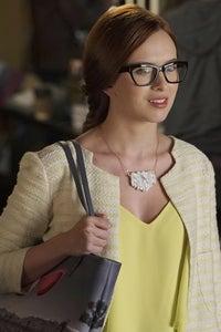 Elizabeth McLaughlin as Lindsay