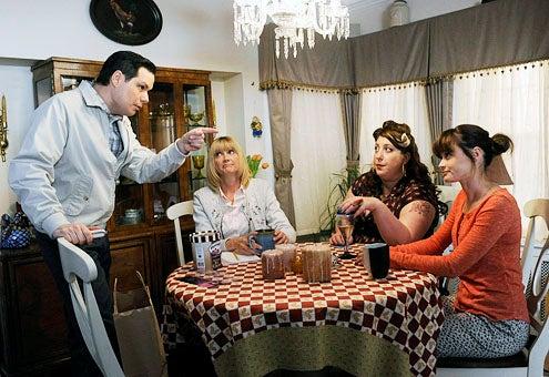 Us & Them - Season 1 - Michael Ian Black, Kerri Kenney, Ashlie Atkinson and Alexis Bledel