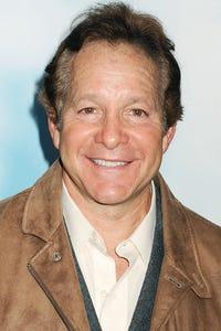 Steve Guttenberg as Maury
