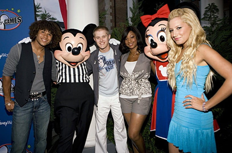 Disney Channel Games - Corbin Bleu, Lucas Grabeel, Monique Coleman, and Ashley Tisdale pose with Mickey and Minnie Mouse - April 2007