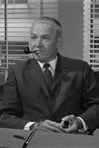 Larry Thor as Jesse