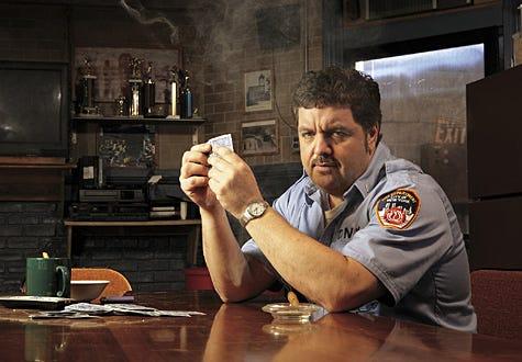 """Rescue Me - Season 4 - John Scurti as Lt. Kenny """"Lou"""" Shea"""