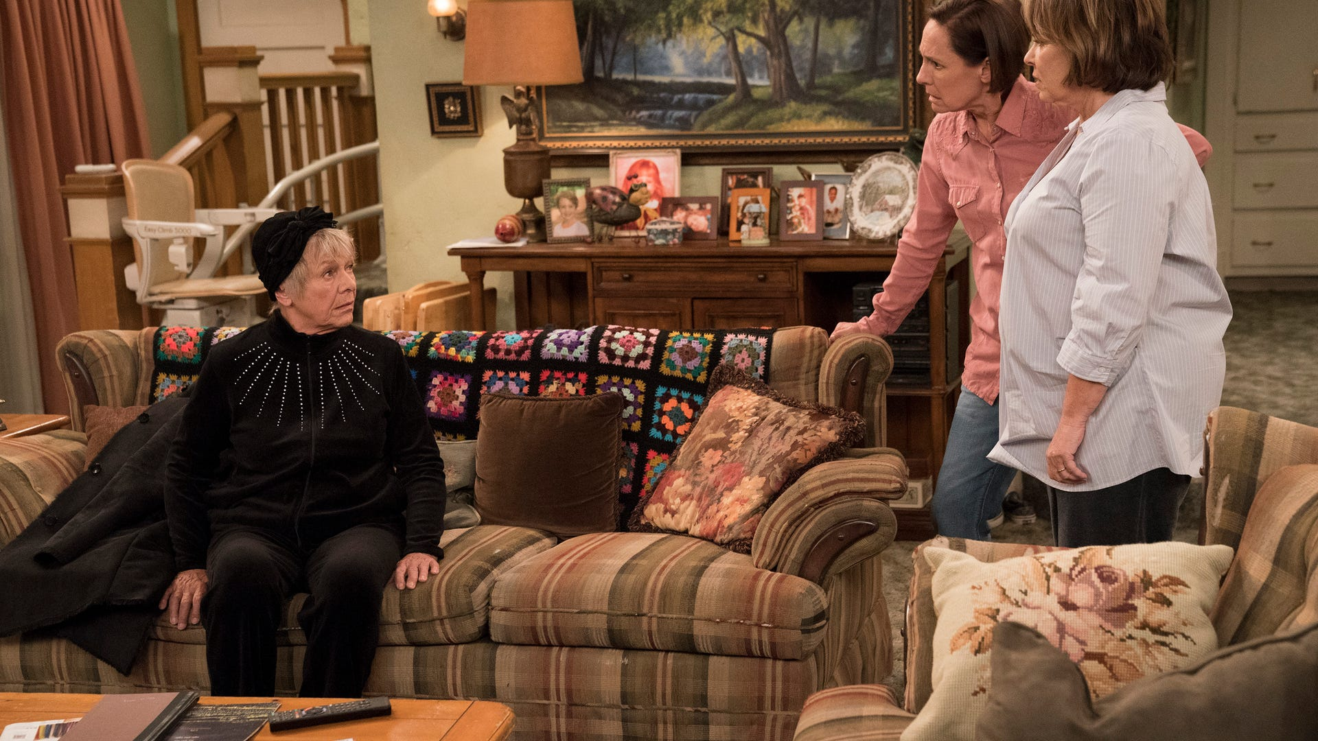 Estelle Parsons, Laurie Metcalf and Roseanne Barr, Roseanne