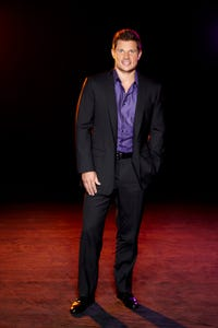 Nick Lachey as Himself